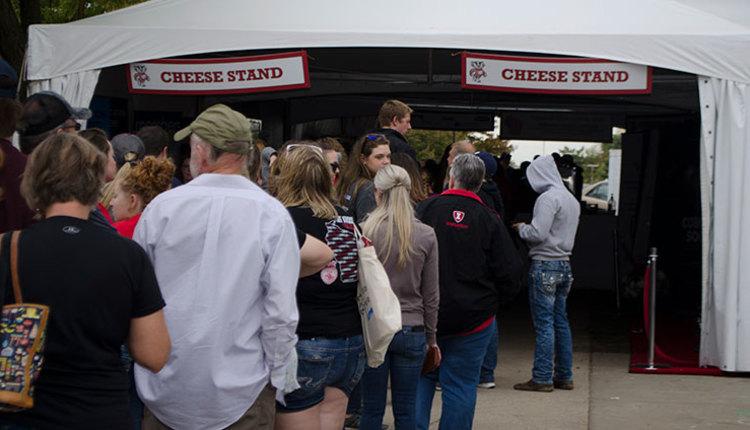 17-HAE-cheesestand